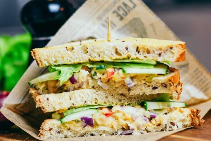 Sandwich vegan Salat