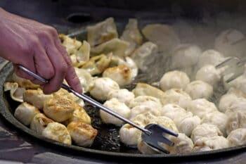 chinesische Dumplings Street Food / snackconnection