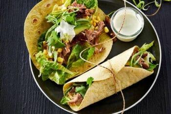 Eisbein Wrap mit Salat von Tulip / snackconnection