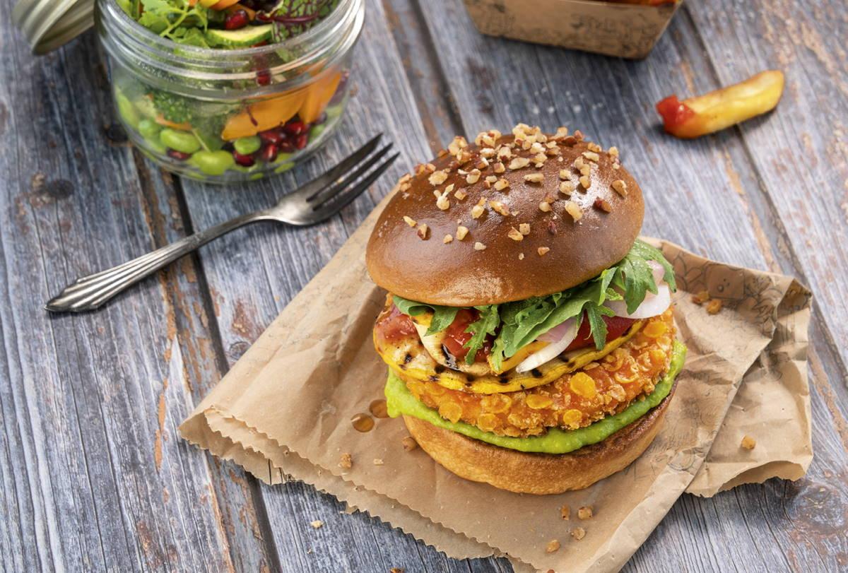 Veganer Crunchy chicken Burger   snackconnection