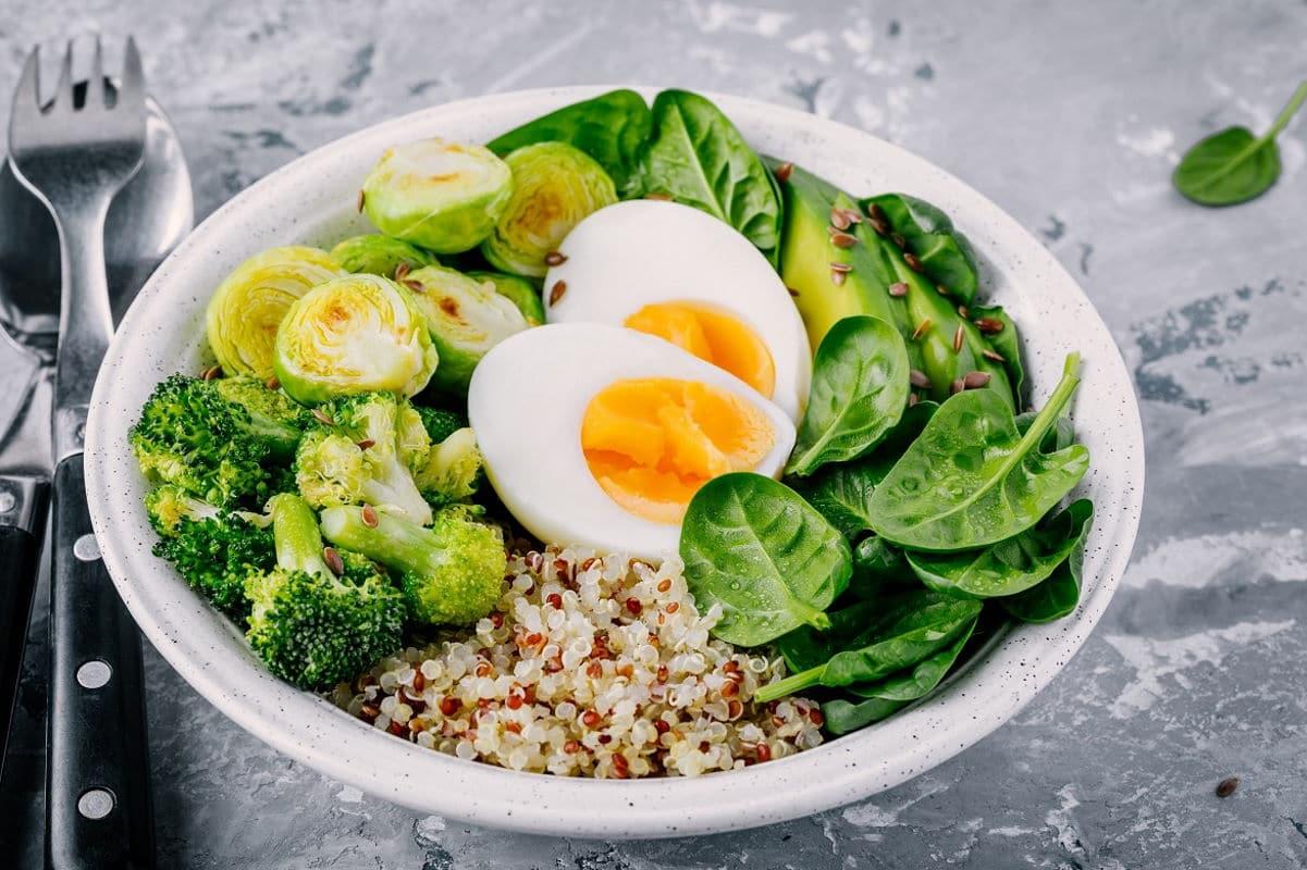 Quinoa Bowl Ei   snackconnection