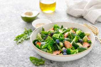 Rohkostsalat mit Brokolie