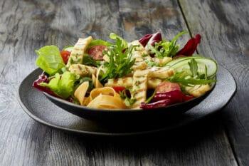 Gemischter Salat mit GRillkäse