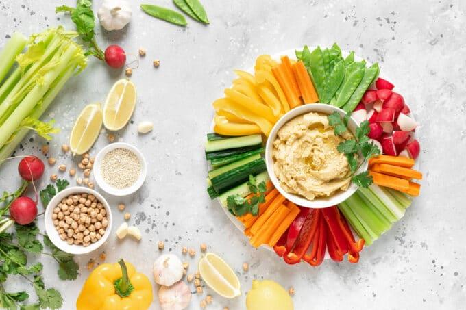 Gemüsesticks Hummus