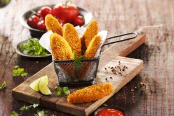 Pflanzliche, vegane Fingers Chicken Style