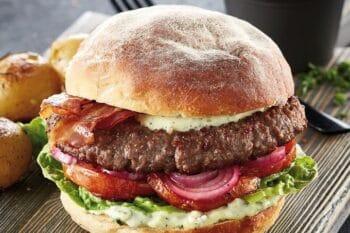 Smoky Burger mit Bacon