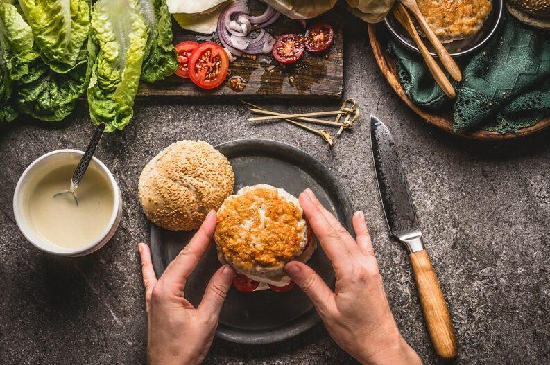 Herstellung veganer Burger