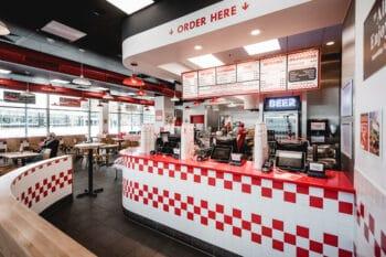 Five Guys Burger Shop Theke